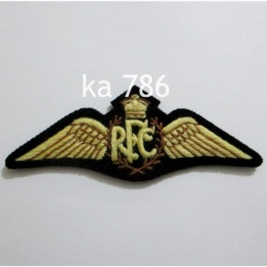 BRITISH RFC ROYAL FLYING CORPS SERVICE DRESS PILOTS WING WITH KINGS CROWN ON BLACK