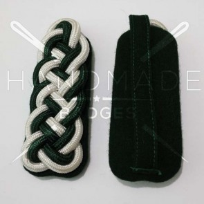 WW2 GERMAN ARMY WHITE GREEN BRAID MAJOR SHOULDER BOARDS ON GREEN