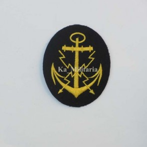 WW2 GERMAN KRIEGSMARINE TELEPRINTER BADGE ON NAVY BLUE FELT
