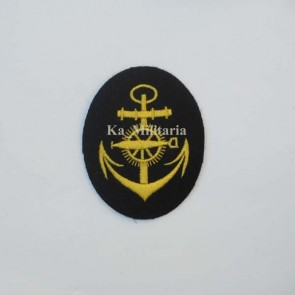 WW2 GERMAN KRIEGSMARINE TORPEDO ARTIFICER BADGE ON NAVY BLUE FELT